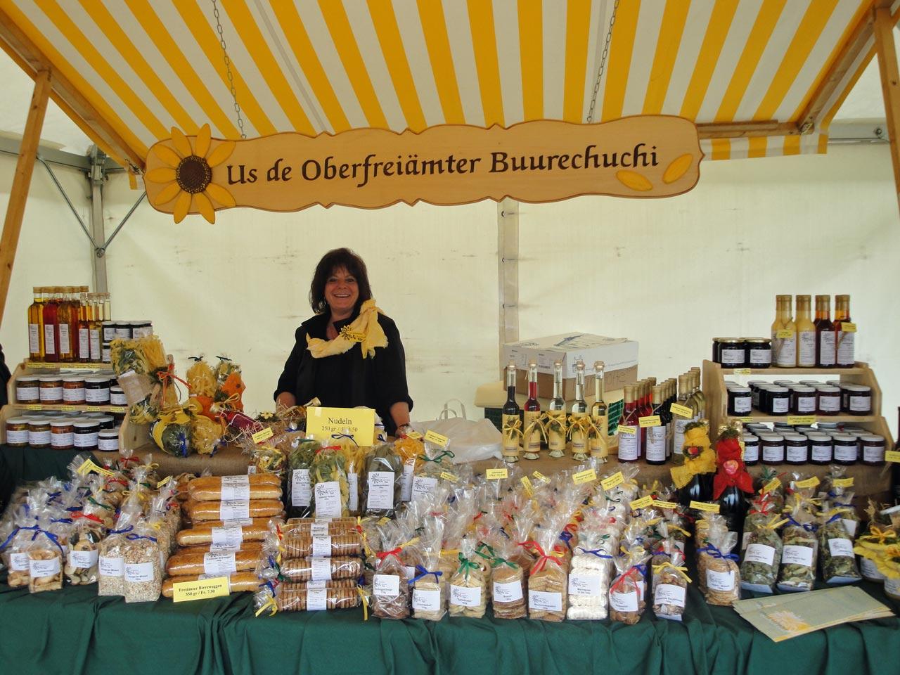 1999 – Teilnahme an der SIGA in Sins. Die Gewerbeausstellung bringt gute Werbung. – Die Buurechuchi geht das erste Mal an den Weihnachtsmarkt Meienberg.
