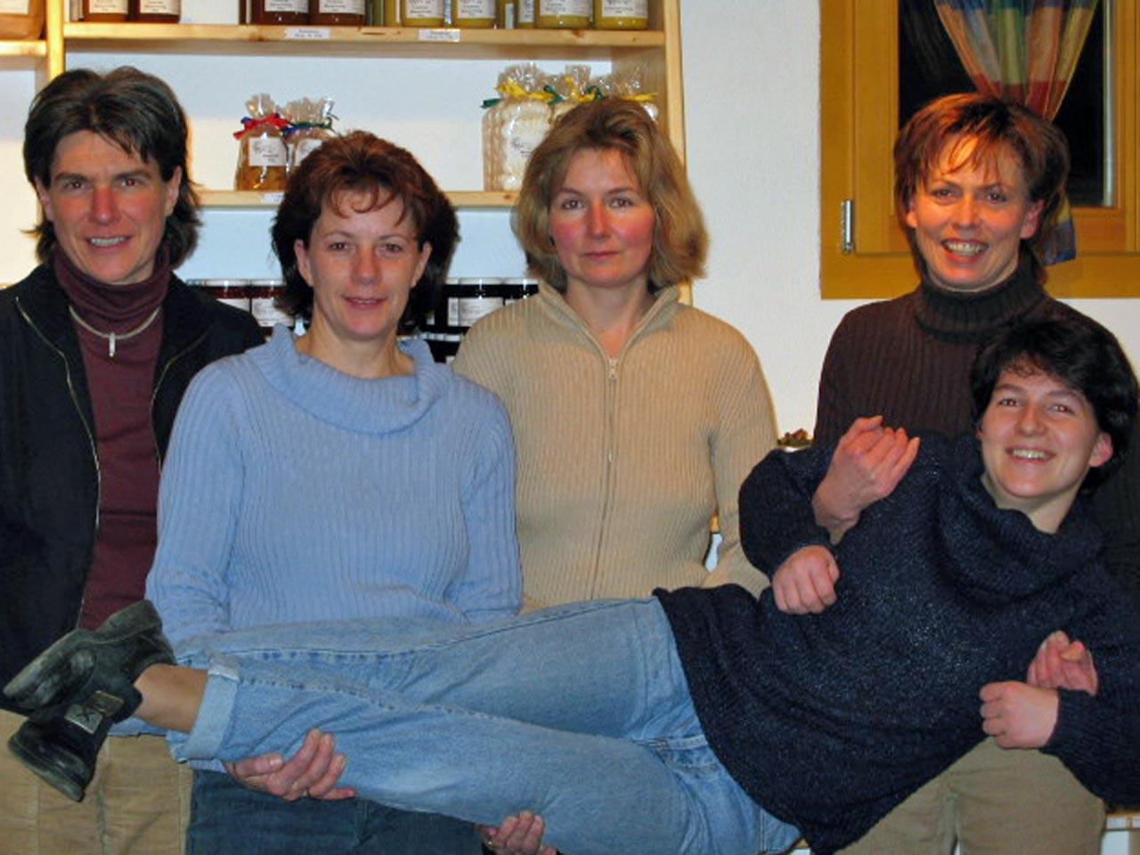 2004 – Vorstand, von links: Judith Stadler, Lisbeth Arnold, Monika Villiger, Regine Villiger, Veronika Sidler.